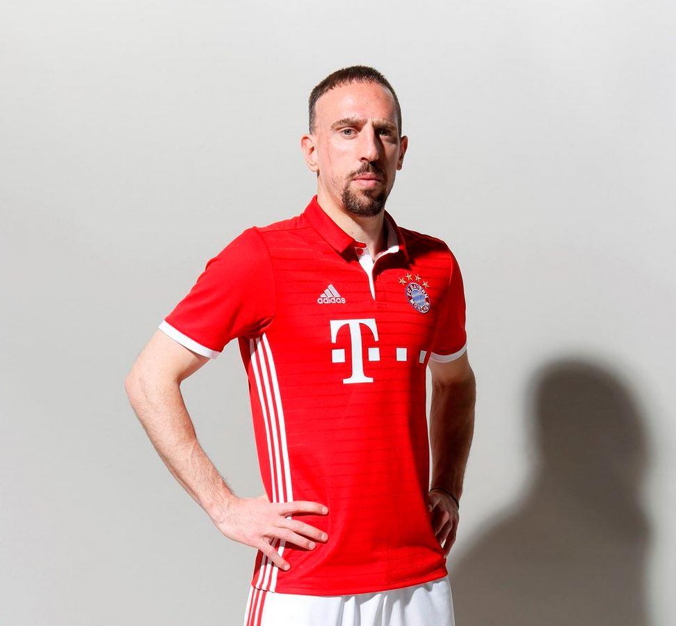 Ribéry avec le maillot du Bayern Munich 2016-17