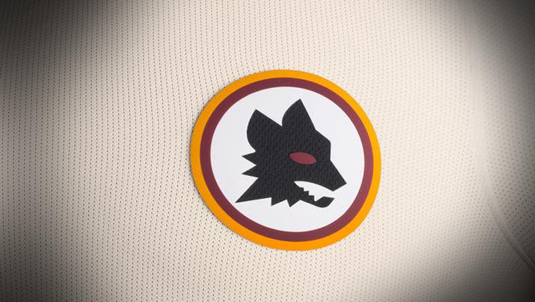 Détail du nouveau maillot extérieur de la Roma