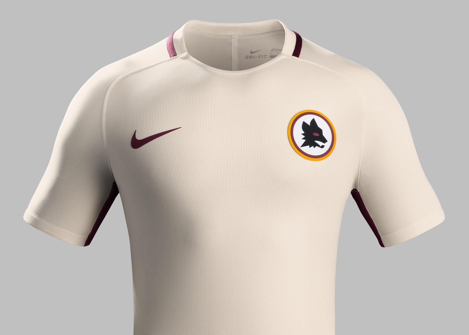 Le maillot extérieur de l'AS Roma 2016 - 2017