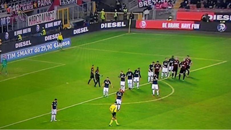 Les 22 joueurs du derby Milan-Inter ne sont pas vraiment identifiables...