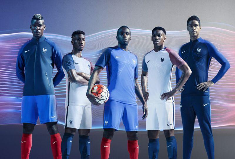Maillot équipe de France Nike avec Matuidi, Martial, Pogba, Varane et Coman